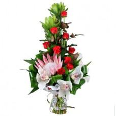 Букет «Водопад орхидей»