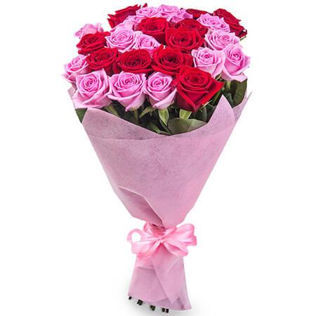 Букет 21 красная и розовая роза
