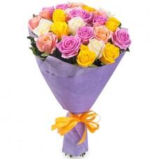 Букет 21 разноцветная роза