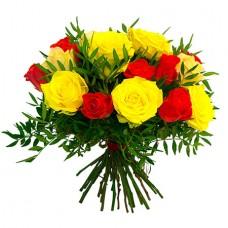 Букет 25 роз с фистацией