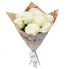 Букет 9 белых роз в крафте