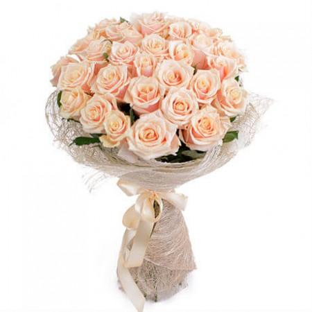 Букет 31 кремовая роза