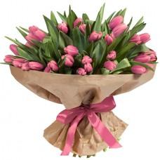 Букет 101 розовый тюльпан в крафте