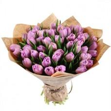 Букет 51 розовый тюльпан в крафте