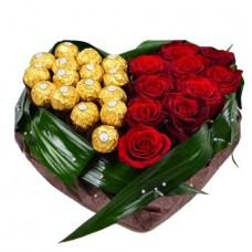 Сердце «Розы и конфеты Ferrero»